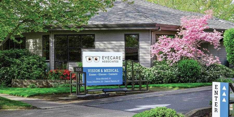 Eyecare Associates 935 Royal Avenue, Medford, OR 97504